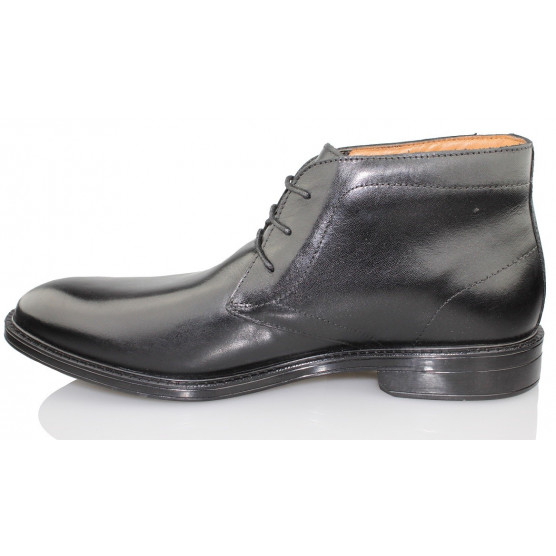 CLARKS CHILVER HI GTX color NEGRO